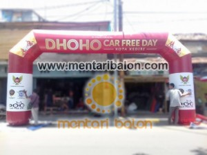 balon gate car free day