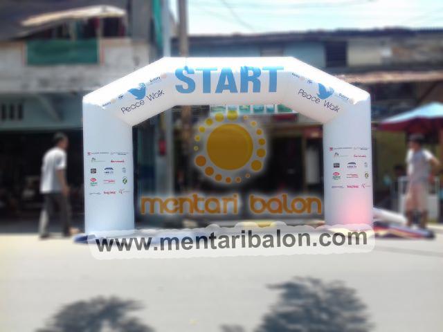 balon gate peace walk