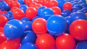 balon sablon merah biru