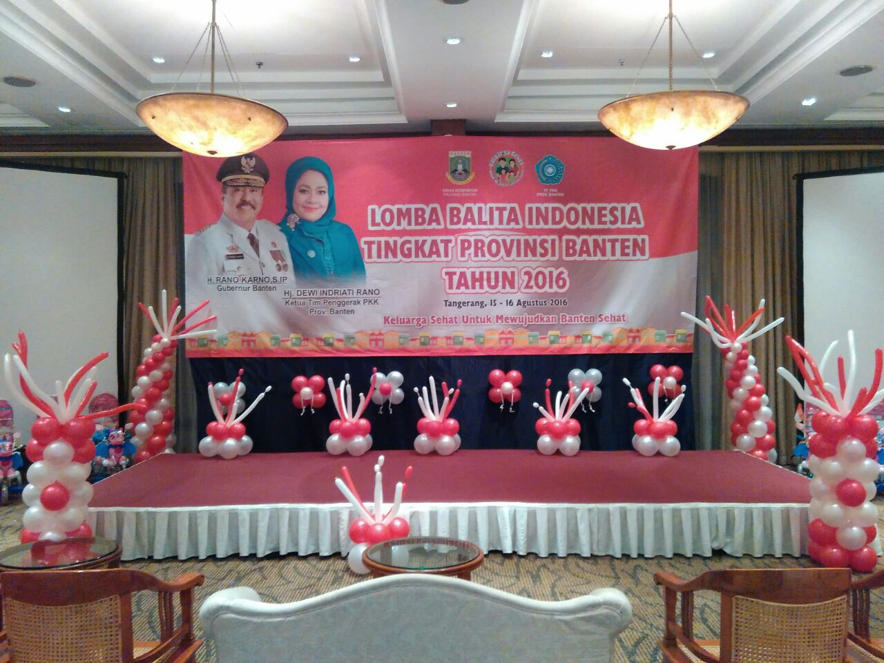 dekorasi panggung