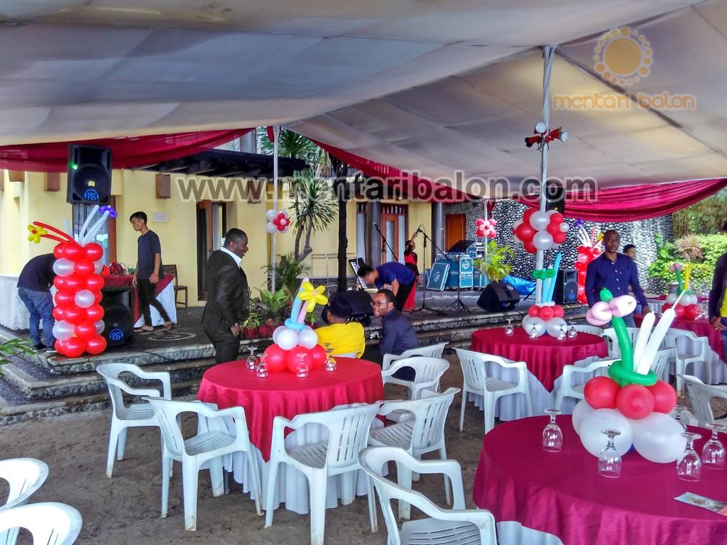 balon dekorasi acara gereja