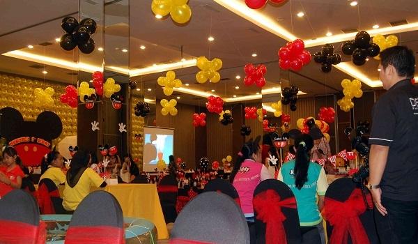 Balon dekorasi jakarta terbaik dan termurah / www.mentaribalon.com