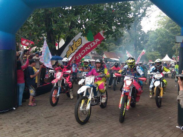 Balon Gapura motocross