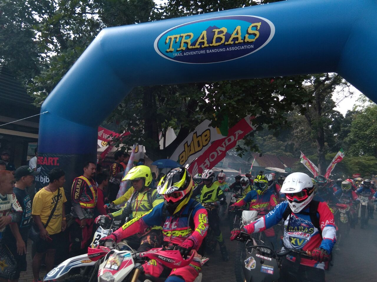 Balon Gate Event Trabas