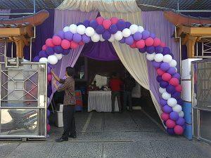 balon gate pernikahan