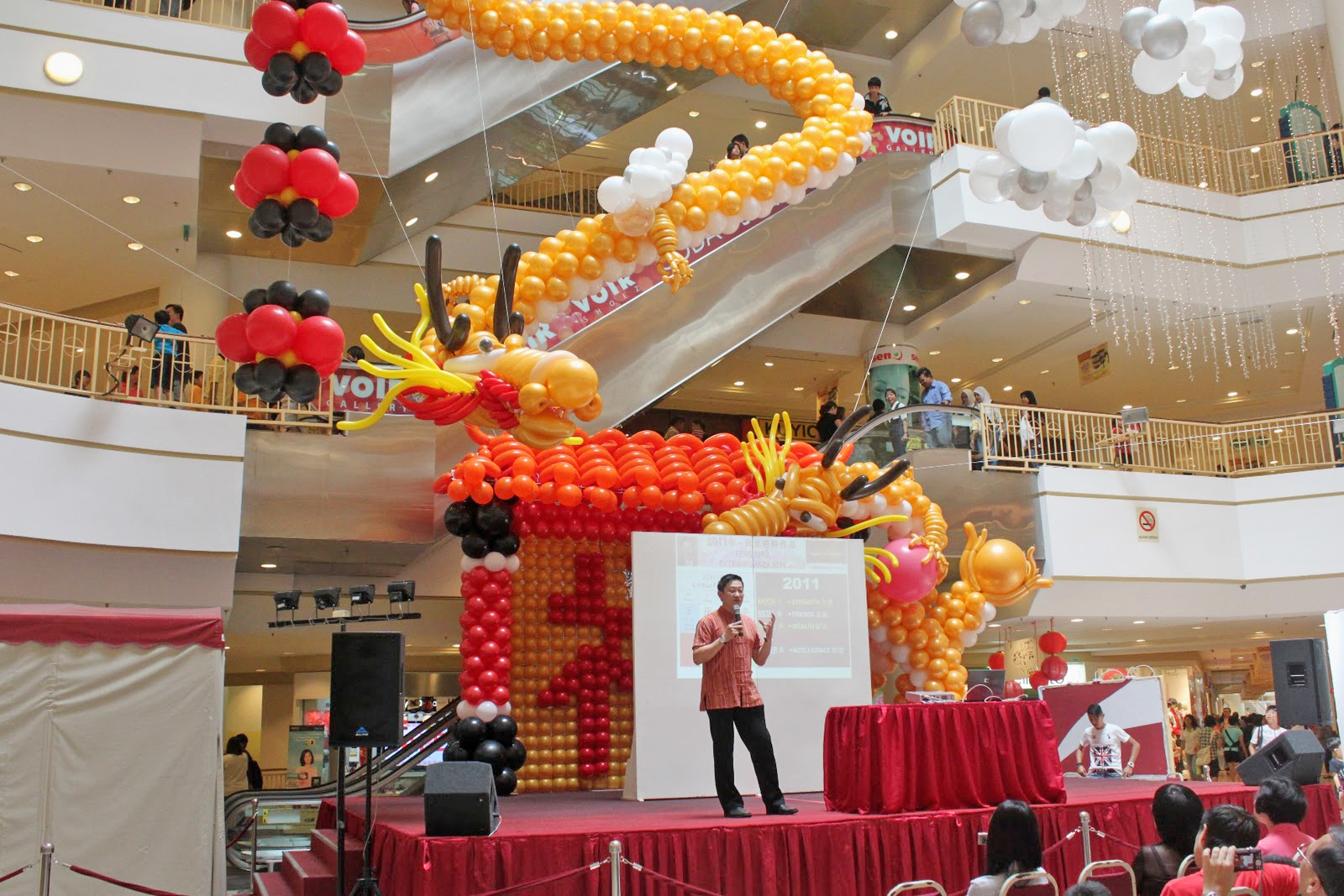 balon dekorasi mall gong xi fa cai