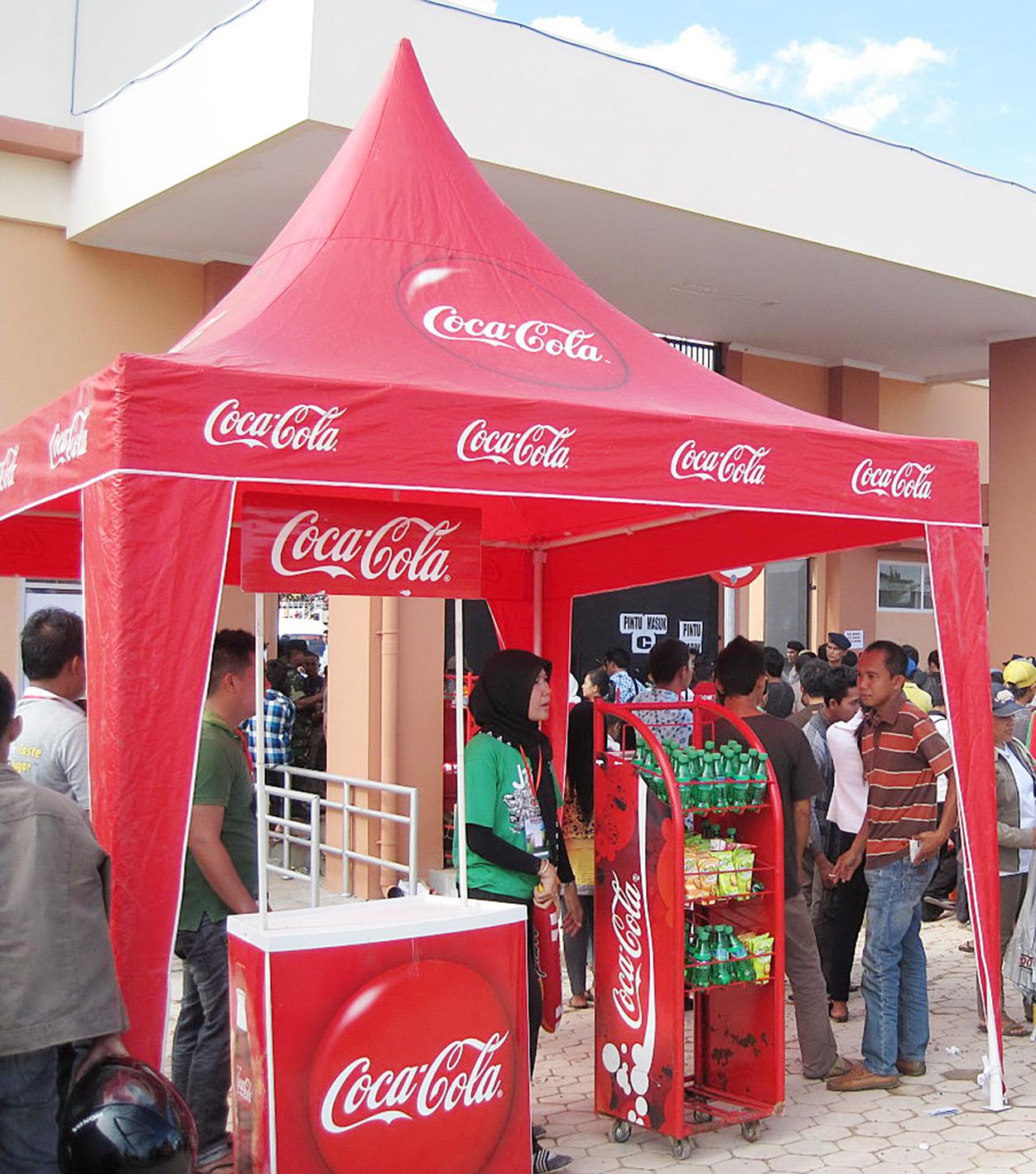tenda kerucut coca cola